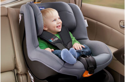 baby_in_car_opel_astra